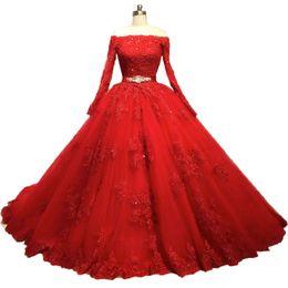 Usa brautkleider online-Bescheidene rote Brautkleider mit langen Ärmeln aus der Schulter Spitze Brautkleider 2018 Weiß Elfenbein UK USA Ball Brautkleid formale Braut Kleider