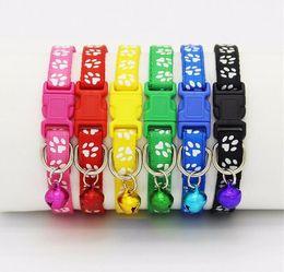 2018 collare per cani collare di cane di nylon di sicurezza di alta qualità collare staccabile regolabile con campana e zampa di zampa fascino larghezza 1.0 cm da