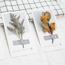 Tarjetas de felicitación universal de vacaciones online-Tarjeta de felicitación de flores secas a mano de arte 2018 nueva personalidad tarjetas de felicitación de bricolaje vacaciones tarjetas de felicitación universales al por mayor