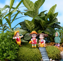 Figurine amore online-Bambola Hayao Miyazaki Loving Girl Raincoat Xiaomei Dolls Micro Paesaggio Anime Cartoon Figurine Fairy Garden Miniatures 0 85qf gg