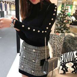 Otoño Invierno Nuevo 2017 Conjunto de Traje de Diseño para Mujer Manga Larga  Metal León Botones Tejer Jersey Suéter Falda A Cuadros Conjunto C18110901  ... 35a672effed5