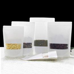 мини мешочки Скидка 100 шт. Белый Kraft Zip Lock Stand Up Сумки для еды Чехлы с U-образным вырезом и матовым окном для хранения семян, закусок и орехов