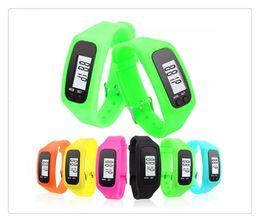 Sıcak Dijital Saatler Akıllı Çok Izle silikon Çalıştırın Adım Yürüyüş Mesafesi Kalori Sayacı Izle Elektronik Bilezik Renkli Pedometreler nereden akıllı saat perakende kutusu tedarikçiler