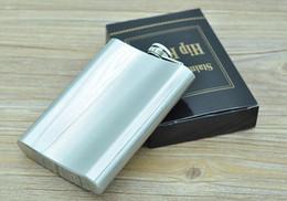 Mini frascos de cadera online-La alta calidad de 8 oz de bolsillo de acero inoxidable Hip Flask Retro Whishkey Frasco tapón de rosca incluye bonificación gratuita embudo y caja de regalo negro