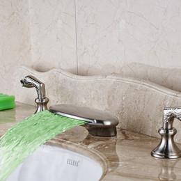 Водолазные щетки онлайн-Никель матовый светодиодный водопад носик ванной бассейна кран ванна раковина смеситель новый