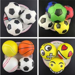 2019 giocattolo per bambini di calcio Calcio Calcio Squishy Slow Rising allevia lo stress Kid Toys Squishy Football Giocattolo a decompressione a crescita lenta T2I312 sconti giocattolo per bambini di calcio