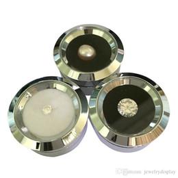 2019 acryl halskette display steht Großhandel Nette Silber Edelstahl Edelstein Diamant Display Aufbewahrungsbox Reversible Doubleside Usage Schwamm Perle / Bolzenohrring Strass Box