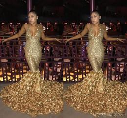 2018 Or 3D Floral Fleur Sirène De Bal Robes Robes Africain Sexy Halter Profond V Cou Dentelle Balayage Train Trompette Style Soirée Robes Formelles ? partir de fabricateur