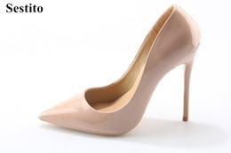 женская кожаная форма Скидка Sestito дамы лакированная кожа платье свадебная обувь женщина скольжения на острым носом насосы девушки ню / черный формальные высокие каблуки Оптовая