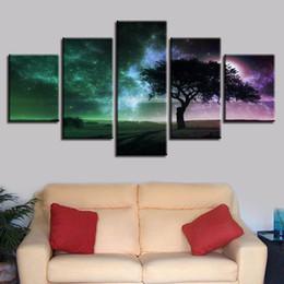 Pinturas de noite estrelado on-line-Modern Pictures Frame 5 Peças Árvore E Céu Estrelado Lua Cena Noturna Modular Pinturas de Lona Sala de estar Decoração HD Impressão Da Arte Da Parede