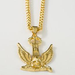 Wholesale Men Eagle Necklaces - 2018 Hip Hop Fashion Design New Vintage Golden Eagle Pendant Necklaces Cool Men Women's Animal Hawk Pendants Golden Necklaces