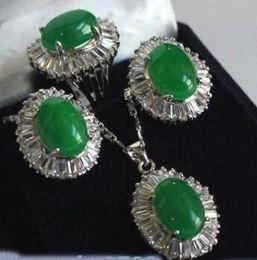 Livraison Gratuite Bijoux Naturel Vert Inlay Zircon Pendentif Collier Argent Plaqué Boucle D'oreille Bague Ensembles ? partir de fabricateur