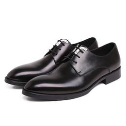 100% Echtes Leder Herren Hochzeitskleid Schuhe Hohe Qualität Lace-Up Prom Oxford Schuhe Für Männer Chic Büroarbeit Business Schuhe von Fabrikanten