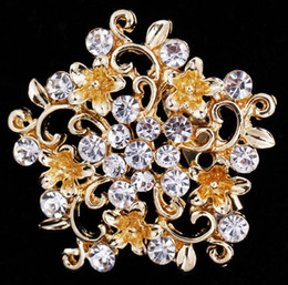 Wholesale dress bouquet - High-grade Luxury Crystal Rhinestone Diamante Flower Bouquet Corsage Brooch Women Girl Scarf Dress Accessory Brooches Jewelry 4.1*4.1cm