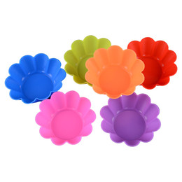 Wholesale Random Cupcake - Flower Muffin Cupcake Mold Pudding Food Grade Silicone Cake Mold Cupcake Mold  Baking Mould Bakeware Random Color