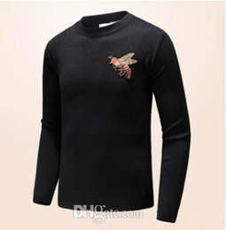 Wholesale New Design Sweater For Men - 2018 autumn and winter new male round neck collar leisure small bee cashmere sweater fashion brand for men Pullover designs cardigan
