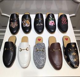 Hommes Mocassins en cuir de luxe Muller Designer slipper Hommes chaussures avec boucle Mode Hommes Princetown pantoufles marron Casual Mules Appartements 38-46 ? partir de fabricateur