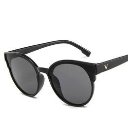 2019 moda rodada quadro óculos de sol tendência simples caixa grande  oceânicos óculos de sol coreano rua tiro óculos de sol por atacado d1ed9fbc9e