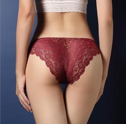 Biancheria intima donna di lusso sexy pizzo trasparente Ladies Lingerie Vita bassa fianchi pantaloni a T cave Ragazza Moda Mutandine Womken Underwear A013 da lingeries di modo fornitori