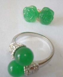 Canada Femmes Naturel Vert Jade Plaqué Or 18K Fleur Boucles D'oreilles + Ensembles De Bijoux De Bague supplier natural green flowers Offre