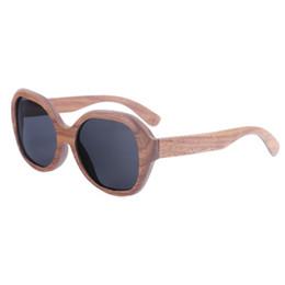 BerWer Preto Noz De Madeira Polarizada Óculos De Sol Dos Homens Do Vintage  Proteção UV eyewear mulheres óculos De Bambu c90a05f9f7