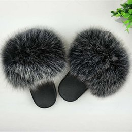 Обувь летнего пера онлайн-Real Fur Slippers Women  Home Fluffy Sliders With Feathers Furry Summer Outdoor Flats Sweet Ladies Candy Color Shoes Size 45