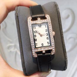le donne di cristallo pieno guarda Sconti Nizza nuove donne famose orologio moda orologio pieno di cristallo di lusso orologio da polso design casual dropshipping orologio in pelle orologio al quarzo colore arancione