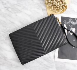 Pulsera de cuero genuino online-2018 precio al por mayor venta de calidad superior marca de moda mujer de cuero genuino Wristlet Bag Clutch Chevron Matelasse bolsa de cuero