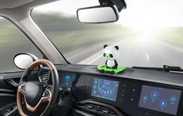 Swing testa online-Car Ornaments Dancing Bobble Head Panda Doll Automobiles Decoration Giocattoli Cute Auto Interior Solar Ballerino oscillante Accessori