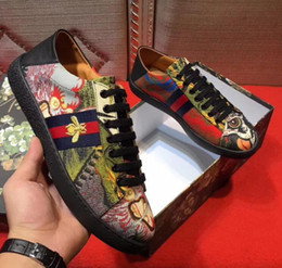 Wholesale italian shoes yellow - Men's Shoes Luxury Brand Coquettish man Leather Casual Driving Oxfords Flats printing Shoes Loafers Moccasins Italian Shoes for Men h00