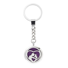 Wholesale Heart Locket Keychain - More Options Mom Child heart Keychain Magnetic Aroma Essential Oil Diffuser Locket Key chain Perfume Locket Keyrings 5pcs Pads