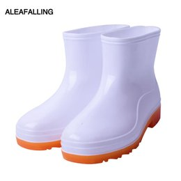 Botas de chuva mulheres brancas on-line-Aleafalling Mulheres Botas de Chuva Ao Ar Livre À Prova D 'Água Lavandaria Lavagem de Carros de Trabalho Kithchen Branco Mulheres Sapatos de Chuva Zapatos Mujer 35-40 W211
