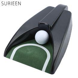 поезд авто Скидка SURIEEN 1PC Пластиковый мяч для гольфа Kick Back Auto Return Putt Cup Device, набирая матовую крытую вставку Green Practice Golf Training Aids