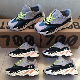 Wholesale blue wave color - Kids Shoes Wave Runner 700 Boost Kanye West Running Shoes Baby Trainer Sneaker BOOST 700 Sport Shoe Children Athletic Shoes Grey Black Blue