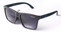 Wholesale Eyeglasses Unisex - Hot Sale New Metal Designer men woman Sunglasses and case eyeglasses mens womans glasses 2247