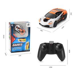 детские игрушки для мальчика Скидка Мини-электрический стены восхождение автомобиль USB зарядки трюк восхождение дрейф автомобиля со светом дистанционного управления модели автомобиля