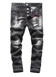 Pulir los pantalones vaqueros online-2018 primavera / verano moda nuevos pantalones de estilo slim fit tendencia agujeros lavados blancos grinding cintura baja gatos deben coser jeans hombres rasguño