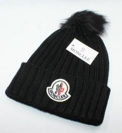 Sombreros de diseño de invierno online-2018 Nueva opción de diseño 6 color sólido invierno invierno Skullies gorritas para niño niña marca sombrero cálido de punto sombrero caliente Gorros de marca para hombres