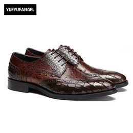 vestido formal patrón de encaje Rebajas Inglaterra estilo moda nuevos hombres hechos a mano de cuero real patrón de cocodrilo Formal vestido zapatos para hombre tallado puntiagudos con cordones