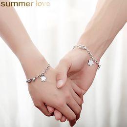 benutzerdefinierte gravierte armbänder Rabatt Paar Armband personalisierte Edelstahl Herz Stern Runde Armband benutzerdefinierte eingravierten Namen Initialen Mädchen Freundschaft maßgeschneiderte Schmuck Mi