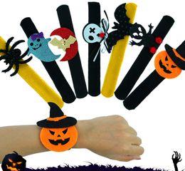 2019 perline di vaso di vaso Halloween Slap Clap partito del braccialetto decorazioni Bat zucca fantasma Forma Serie Clap peluche Pat mano Circle giocattolo braccialetto per i bambini