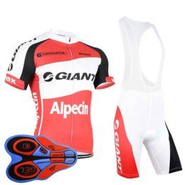 GIANT Cycling Jersey Set Men Short Sleeve MTB Bike Clothing Ropa Ciclismo  Tour De France Quick Dry Maillot Ciclismo Sportswear 100815Y a5b9dce19