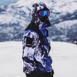 черное кожаное спортивное пальто Скидка 18fw коробка логотип снег Гора свет куртка водонепроницаемый ветрозащитный мода открытый верхняя одежда улица роскошные простые случайные пальто куртка Hfymjk076
