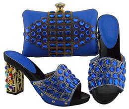b robes sac à main Promotion Les pompes bleues populaires de femmes bleues et un sac avec de grandes chaussures africaines en cristal correspondent à un sac à main pour la robe FGT003, talon 10CM