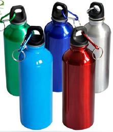 Canada 200pcs / lot Nouvelle livraison gratuite 750ml mousqueton Sports bouteille d'eau cadeau logo personnalisé vente chaude supplier gift hot water bottle Offre