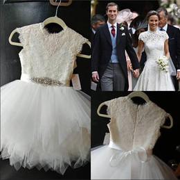 Argentina Encaje de marfil con falda de tul blanco Cap Mangas fajas de diamantes de imitación Cumpleaños Fiesta de bodas Fiesta Dama de honor Vestidos de niña cheap tulle bridesmaid dresses rhinestones Suministro