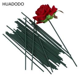 Hastes decorativas on-line-HUADODO 150 pcs 13 cm Flores haste verde Escuro artificial cabeça de flor acessório para decoração de casamento (tamanho 2mm)