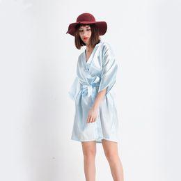 Vintage nachthemden online-Vintage Floral Weibliche Rayon Kimono Robe Chinesische Feste Frauen Nachthemd Badekleid Nachtwäsche Sexy Mini Hochzeit Hausmantel