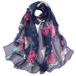 Poncho di sciarpa di seta online-Moda Bohemian Chiffon Hijab Sciarpa delle donne Rose Stampa lunga seta Scialle dell'involucro Lady Sciarpe Estate Autunno Beach Ponchos # IS