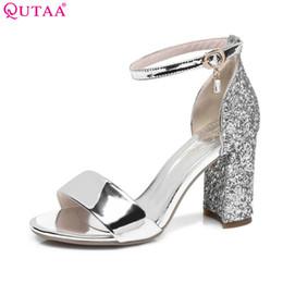 QUTAA 2017 donne sandali Piazza tacco alto piattaforma di cristallo scarpe  da donna cinturino alla caviglia elegante nero signore scarpe da sposa  taglia 34- ... 97a2595527c